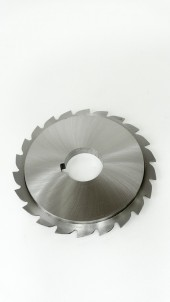 Saw Blade with Reinforced Hub